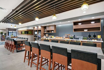 Breakfast Area | Home2 Suites by Hilton Bettendorf Quad Cities