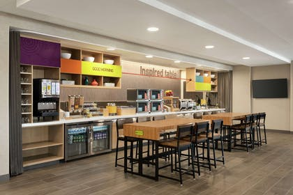 Breakfast Area | Home2 Suites by Hilton Madison Central Alliant Energy Center