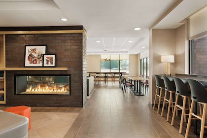 Lobby | Home2 Suites by Hilton Madison Central Alliant Energy Center