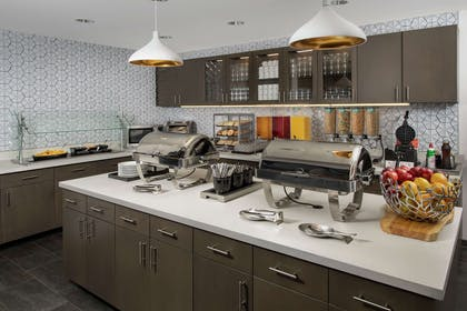 Breakfast Area | Homewood Suites by Hilton Denver Airport Tower Road