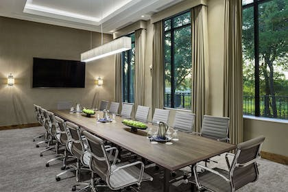 Meeting Room | The Bevy Hotel Boerne, a DoubleTree by Hilton