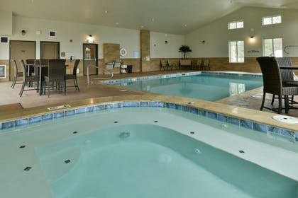 GS HotTub CHH | GrandStay Hotel & Suites
