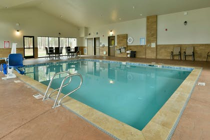 GS Pool CHH | GrandStay Hotel & Suites