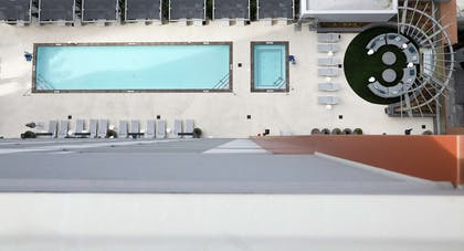 Pool | Carte Hotel San Diego Downtown, Curio Collection by Hilton