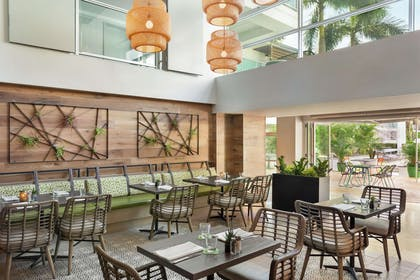 Restaurant | Hotel Alba Tampa, Tapestry Collection by Hilton