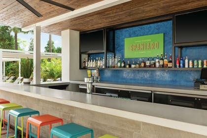 BarLounge | Hotel Alba Tampa, Tapestry Collection by Hilton