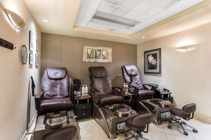 Beauty salon | Traditions Hotel & Spa, an Ascend Hotel Collection Member