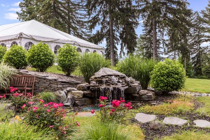 Glenview tent | Traditions Hotel & Spa, an Ascend Hotel Collection Member