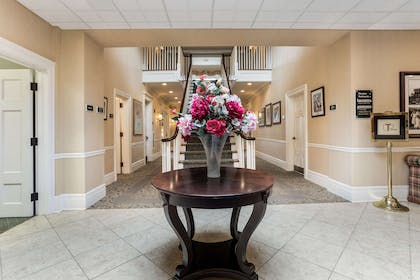 Hotel lobby | Traditions Hotel & Spa, an Ascend Hotel Collection Member