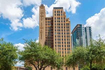 Hotel exterior | Cambria Hotel Houston Downtown Convention Center