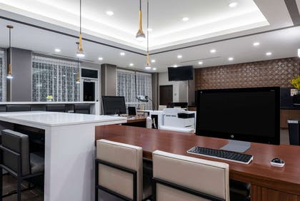 Business Center | Wingate by Wyndham Angola