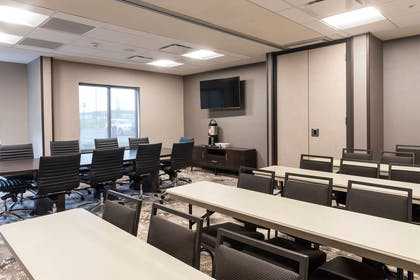 Meeting Room | Wingate by Wyndham Angola
