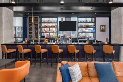 Bar Lounge | Hyatt House Chicago West Loop