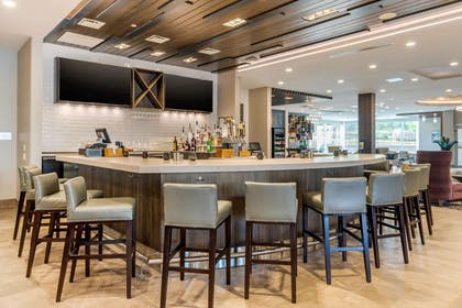 Hotel bar | Cambria Hotel Fort Mill