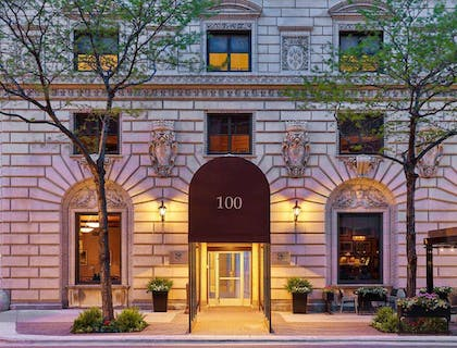Exterior | The Tremont Chicago Hotel at Magnificent Mile