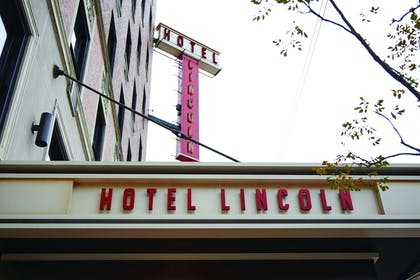 Exterior | Hotel Lincoln
