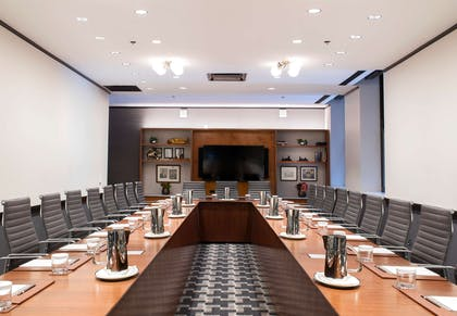 Meeting Room | Chicago Athletic Association