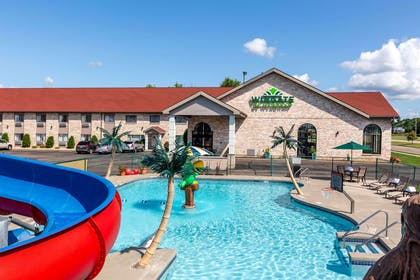 Pool | Wingate by Wyndham Wisconsin Dells