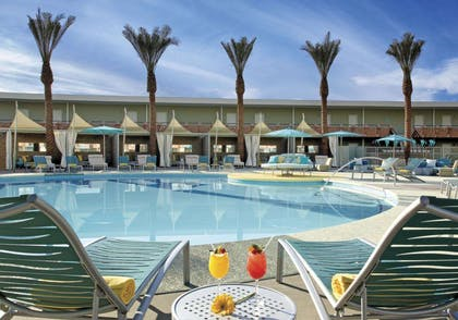OH Pool | Hotel Valley Ho