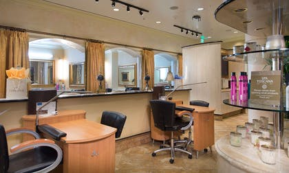 Salon | Peppermill Resort Spa Casino