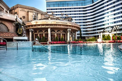 Pool | Peppermill Resort Spa Casino