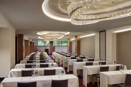 Cecchi Meeting Room | The Watergate Hotel