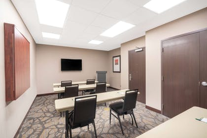Meeting Room | Wingate by Wyndham San Jose