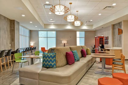 Lobby | Home2 Suites by Hilton Charlotte Piper Glen