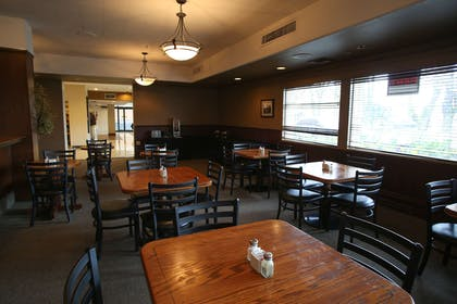 The Governor Hotel Restaurant | Red Lion Inn & Suites Olympia, Governor Hotel