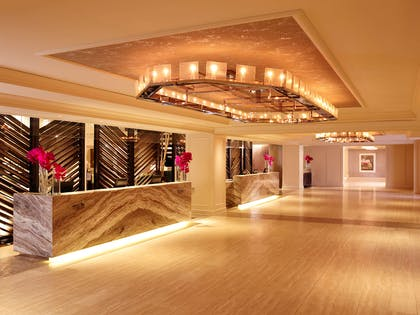 Park Central Lobby and Front Desk | Park Central New York