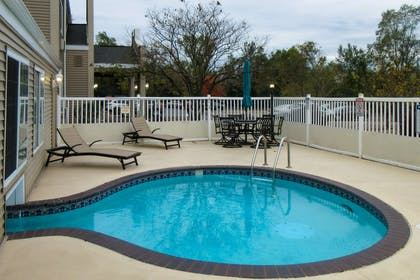 Outdoor hot tub | Quality Inn & Suites