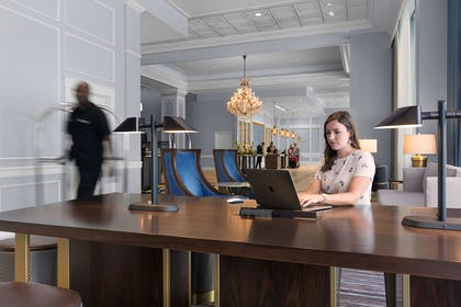 Lobby Workspace Lifestyle | The Chase Park Plaza Royal Sonesta St. Louis