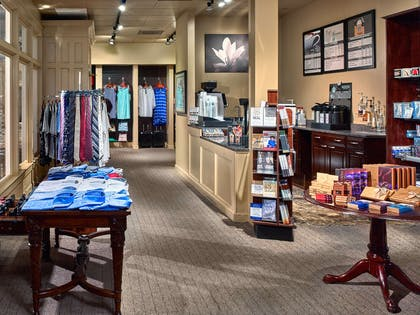 Outlet Gift And Coffee Shop | The Chase Park Plaza Royal Sonesta St. Louis