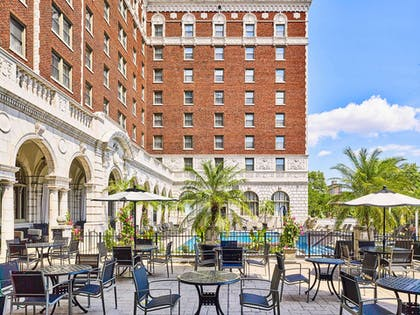 Exterior Chase Club Dining | The Chase Park Plaza Royal Sonesta St. Louis