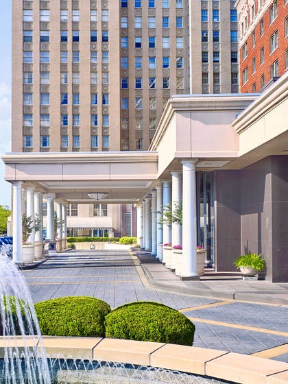 Exterior Front Drive | The Chase Park Plaza Royal Sonesta St. Louis