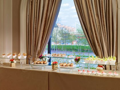 Food Display | Royal Sonesta Harbor Court Baltimore