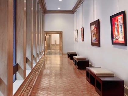 Art Gallery | Royal Sonesta Harbor Court Baltimore