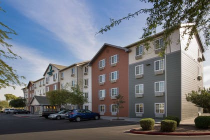 Hotel exterior | WoodSpring Suites Phoenix I-10 West