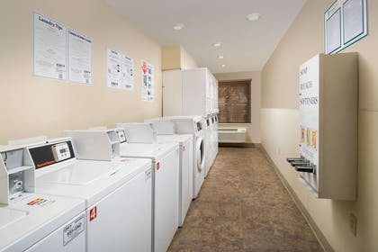 Guest laundry facilities | WoodSpring Suites Phoenix I-10 West