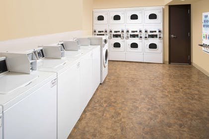 Guest laundry facilities   WoodSpring Suites Cleveland Airport