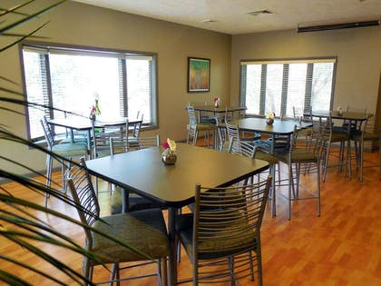 restaurant | Eastland Suites Extended Stay Hotel & Conference Center
