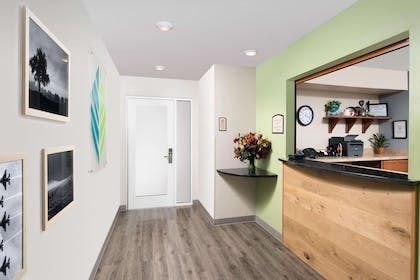 Front desk | WoodSpring Suites Oklahoma City Airport