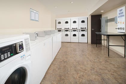 Guest laundry facilities | WoodSpring Suites Oklahoma City Airport