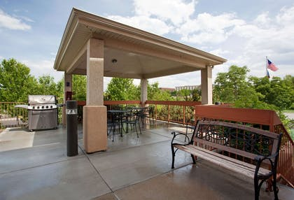 Gazebo Grill | TownePlace Suites Denver West/Federal Center