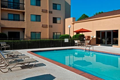 Outdoor pool | Courtyard by Marriott Charlotte University Research Park