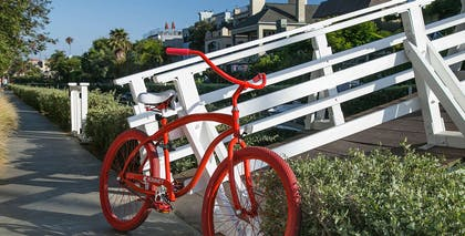 red bicycle | The Kinney - Venice Beach