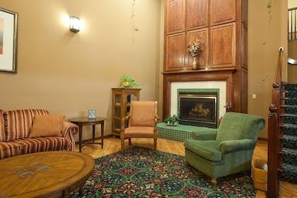 Lobby | Country Inn & Suites by Radisson, Cedar Falls, IA