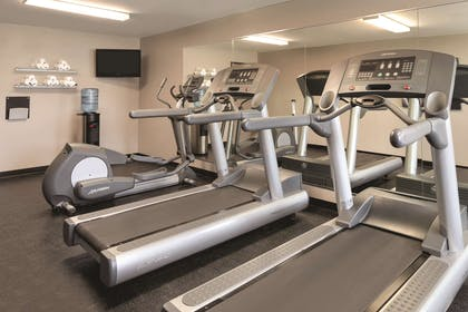 Fitness Center | Country Inn & Suites by Radisson, Cedar Falls, IA