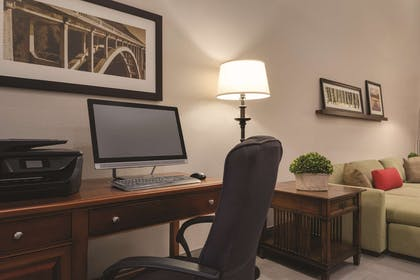 Business Center | Country Inn & Suites by Radisson, Cedar Falls, IA