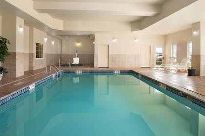 Pool | Country Inn & Suites by Radisson, Oklahoma City - Quail Springs, OK